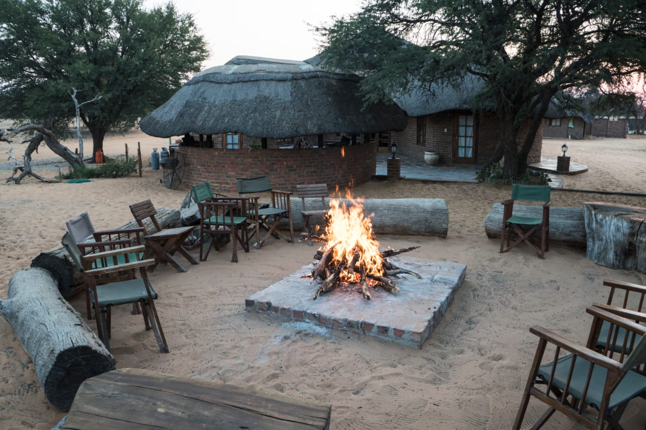 african-hunting-lodge-south-africa (10)